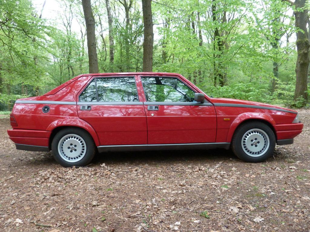 Alfa Romeo 75 1.8 Turbo Europa large