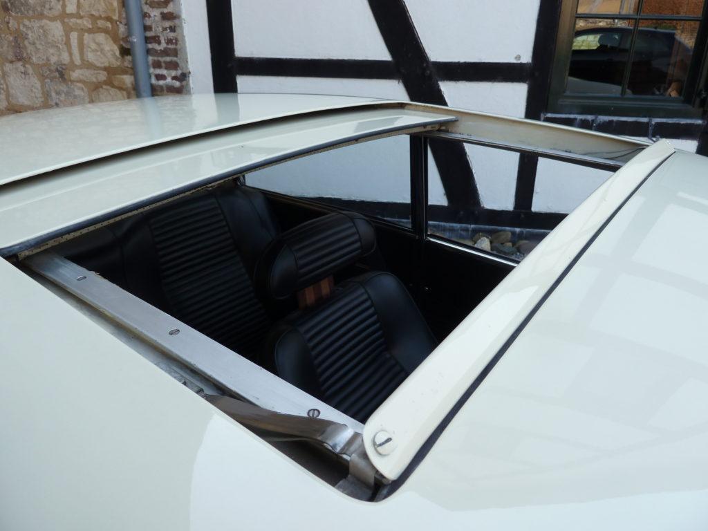 Alfa Romeo GT 1300 Lusso 1976 large
