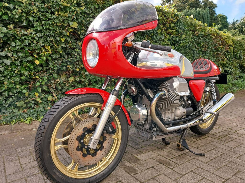 Moto-Guzzi 850 Le Mans III large